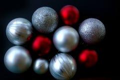 Baubles vermelhos e de prata do Natal Fotos de Stock