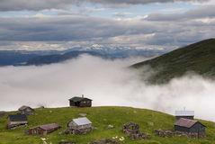 Bauernhäuser auf dem Aurlandsfjellet Stockfoto