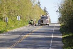Bauernhof-Fahrzeug-und Straßen-Verkehr Lizenzfreie Stockfotografie