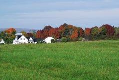 Bauernhof im Fall lizenzfreies stockbild