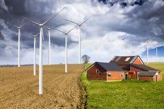 Bauernhof mit stürmischem Himmel Lizenzfreies Stockbild