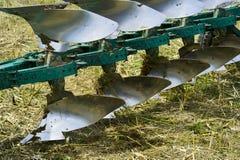 Bauernhofpflug für Ackerbaunahaufnahme Stockbilder