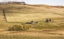 Bauernhofruinen bei Glen Deskry in Schottland Stockbilder