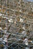 Baugerüst auf der Fassade eines Gebäudes in Dresden Stockbild