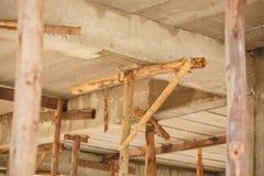 Baugerüstholz für kleinen Hochbau stockbild
