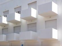 Bauhausgebäudefassade Stockfotos
