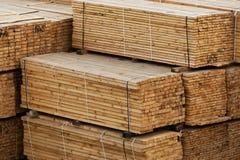 Bauholz auf Lager Stockfoto