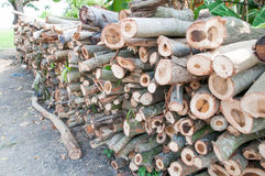 Bauholz für Brennholz Stockbilder