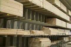 Bauholz für Verkauf im Baumarkt Lizenzfreie Stockfotografie