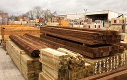 Bauholz- und Gebäudezubehör Stockfotos