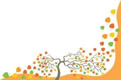 Baum mit fallenden Blättern. Lizenzfreies Stockfoto