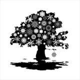 Baum mit Schneeflocken Lizenzfreie Stockfotos