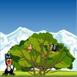 Baum mit Vogel und Tieren auf Lichtung stockfotos
