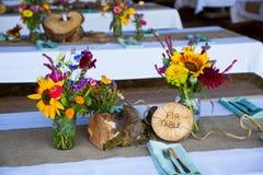 Baum-themenorientierter Hochzeitsempfang-Dekor Stockbilder