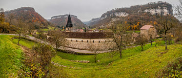 Baume-les-Messieurs, Frankreich - panoramische Ansicht Lizenzfreies Stockbild