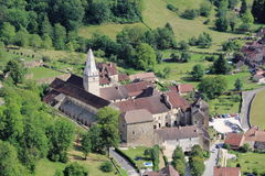 Baume-les-Messieurs in het Juragebergte royalty-vrije stock foto's