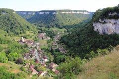 Baume-les-Messieurs in het Juragebergte stock foto's