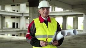 Baumeister am Projektstandort stock video
