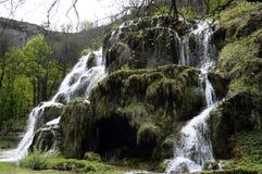 Baumes de waterval van Les Messieurs in het Juragebergte, Frankrijk royalty-vrije stock afbeeldingen