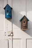 Baumrindevogelhäuser lizenzfreie stockbilder