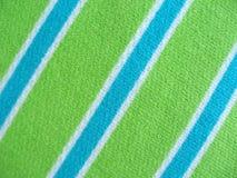 Baumwollgewebe mit Streifen des blauen Grüns und des Weiß Stockbild