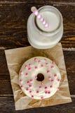 Baunilha cozida fresca Bean Iced Doughnuts Imagens de Stock