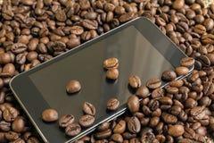 Bauns del caffè e del telefono Fotografia Stock Libera da Diritti