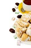 Baursak с чаем и востоковедными помадками Стоковое Изображение