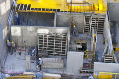 Baustelle mit Bauarbeiter Lizenzfreies Stockfoto