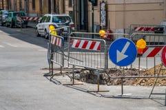 Baustelle mitten in einer Straße Lizenzfreie Stockfotografie