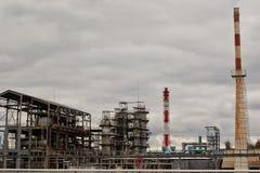 Baustelle unter Raffinerie Stockfotos