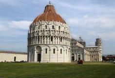 Bautisterio y catedral de Pisa, Italia Imágenes de archivo libres de regalías