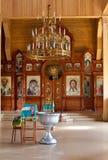 Bautizado en la iglesia ortodoxa rústica Imagenes de archivo