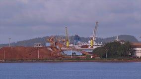 Bauxita, mina del alúmina, Kaloum, Conakry, Guinea metrajes