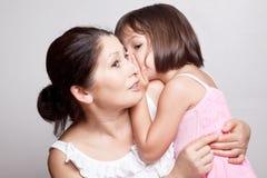 Bavardage de grand-mère et de petite-fille Photographie stock