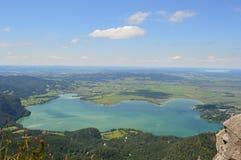 _ bavarianstadebersberg avlägsen för horisont för liggande för berg för munich inte sight för torn hålla ögonen på Arkivfoto