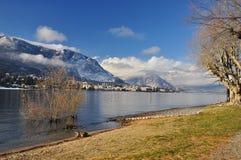 Baveno Lago Maggiore i vinter royaltyfria bilder