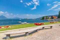 Baveno sjö Maggiore, Italien, 05 Juli 2017 Sikt av öar Borr Fotografering för Bildbyråer
