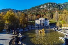 Baviera, Alemania - 15 de octubre de 2017: Palacio 1863-188 de Linderhof Imagen de archivo