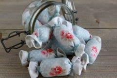 Bawełniany cukierek dla Wewnętrznej dekoraci w słoju szkle Obraz Royalty Free
