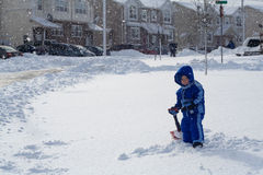 bawić się śnieg obrazy royalty free