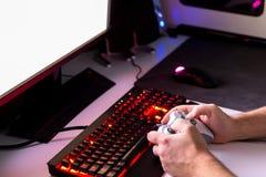 Bawić się grę komputerową z hazard przekładnią Zdjęcie Royalty Free