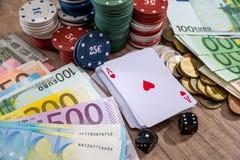 Bawić się kartę, grzebaków układy scaleni, euro rachunki Zdjęcie Royalty Free