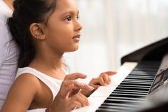 Bawić się pianino Zdjęcie Royalty Free