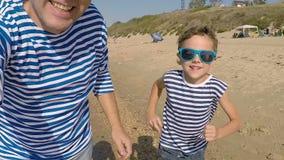 bawić się syna plażowy ojciec zdjęcie wideo