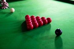 Bawić się, ustanawia snooker piłkę, czerwoną piłkę i piłkę z liczbami, fotografia royalty free