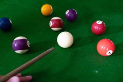 Bawić się, ustanawia snooker piłkę, czerwoną piłkę i piłkę z liczbami, obraz stock