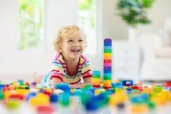 bawić się zabawkę bloku dziecko Zabawki dla Dzieciaków obrazy stock