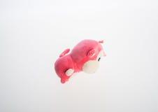 bawi się miękkiej części zabawkę na tle lub małpuje Fotografia Stock