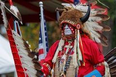 Bawoli tancerz 49th roczny Zlany plemienia Pow no! no! zdjęcia royalty free